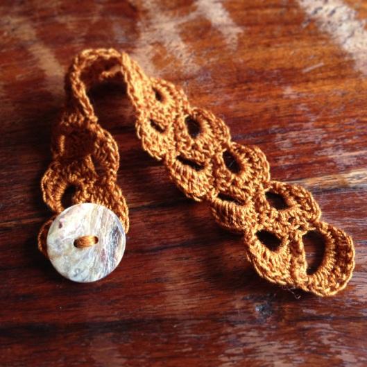 pretty lace bracelet
